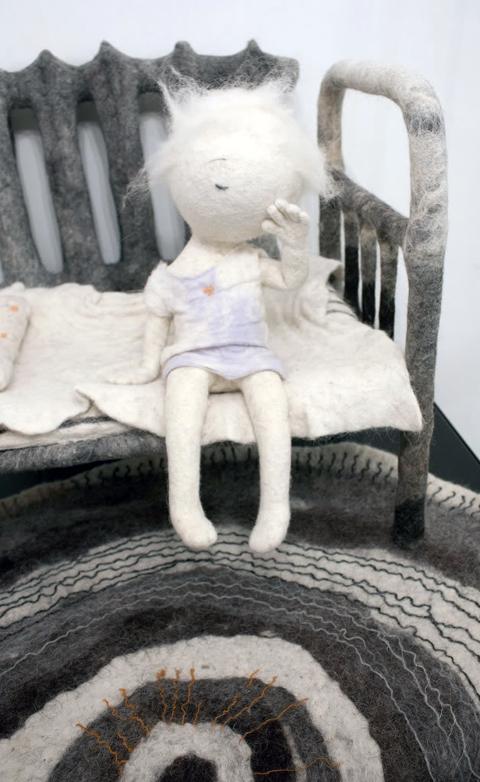 Irina Andreeva - Girl on bench - Needle Felting
