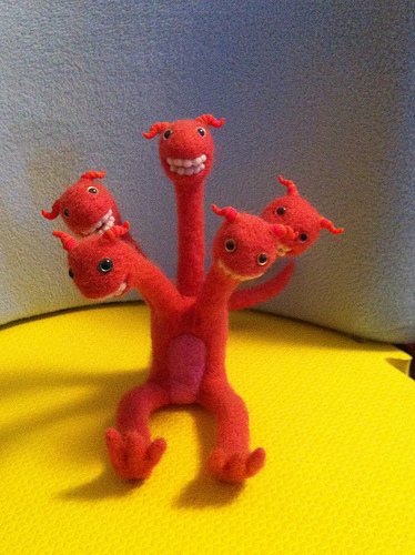 Too Cute Tuesday – The Happy Hydra by hillyhill