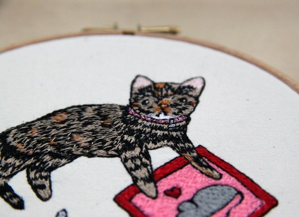 Crafty Cat by Leigh Bowser. Machine embroidery.