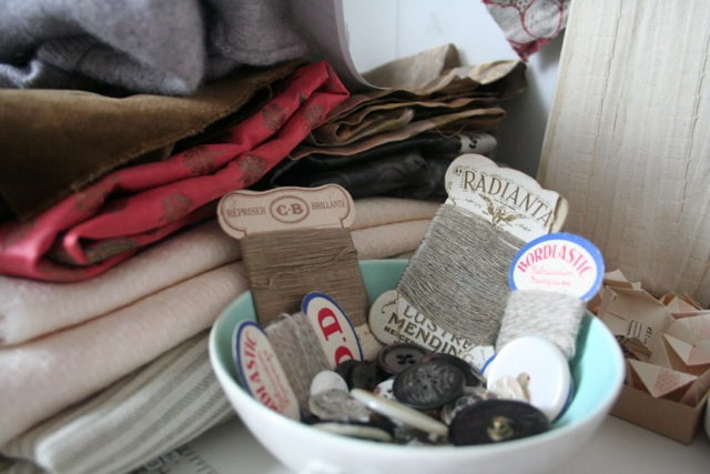 Pinning the Past – Collecting Textiles