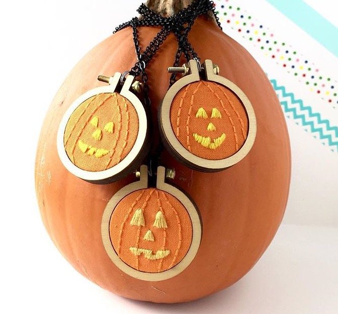 Too Cute Tuesday – Jack-O-Lantern mini hoops by Amy Byrne