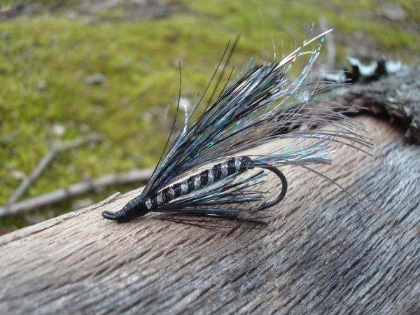 I love this lure and I don't even know its name. The colors are classy. Maybe good for earrings? The metallics are Kreinik (Blending Filament to a fly tyer is called Flash).