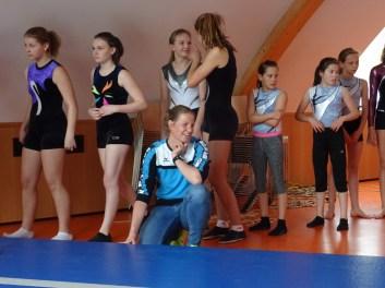 Lisa Kröll mit ihren Schüler/innen