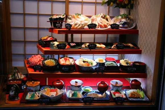 Japon restoranında bir sergi