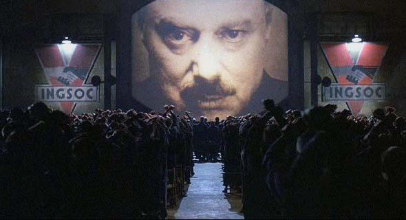 """""""Savaş barıştır, özgürlük köleliktir, cehalet kuvvettir"""""""