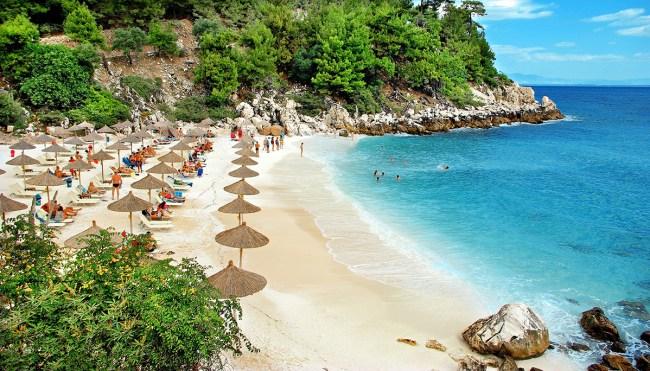 Tasos Adası plaj sayısı olarak diğer bütün adalardan daha bol seçeneğe sahip. Ve istisnasız hepsi çok güzel.
