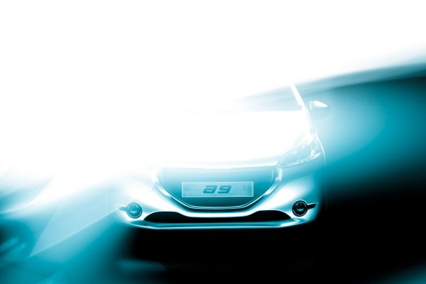 07-Peugeot-208-Concept-Lightpainting-00