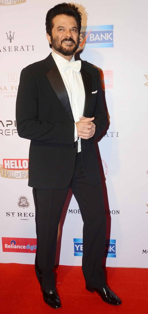 Anil Kapoor was spotted wearing Stefano Ricci's bow-tie at the Bollywood Gala Night & the Hello Wall of Fame Awards recently. The classic 'Bow-Tie' look is the most sought look among men as it makes a perfect statement. The actor greeted the Royal family on their first visit to India wearing this cool accessory from Stefano Ricci. We loved this classy touch on this evergreen actor, what do you have to say?