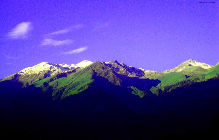 Snow covered Himayala mountains