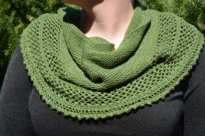 """""""Bethe"""" Shawl made from Gloss Fingering in Clover"""