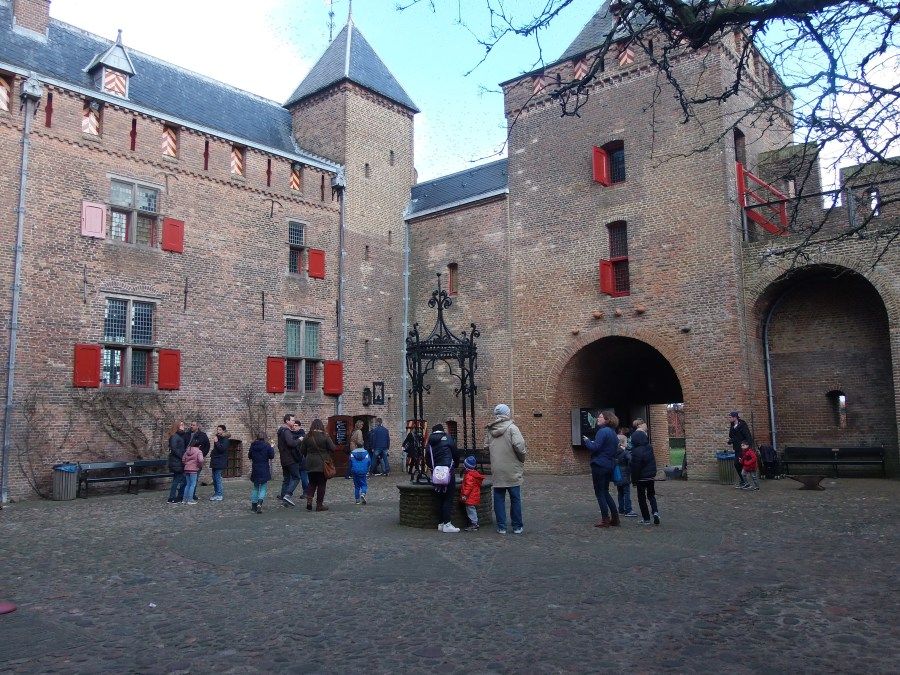 Castle Muiderslot group tour assembly area