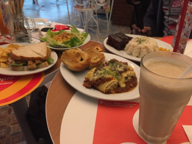 Banapple smoothie and hot meals
