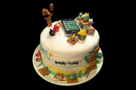 angry-birds-birthday-cake-collection-20