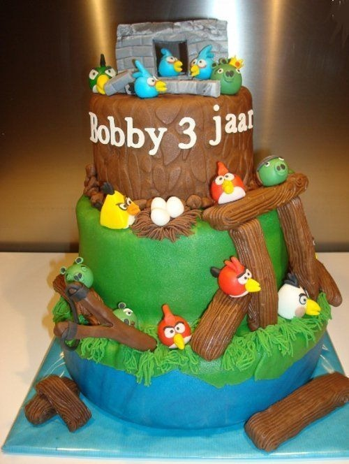 angry-birds-birthday-cake-collection-25