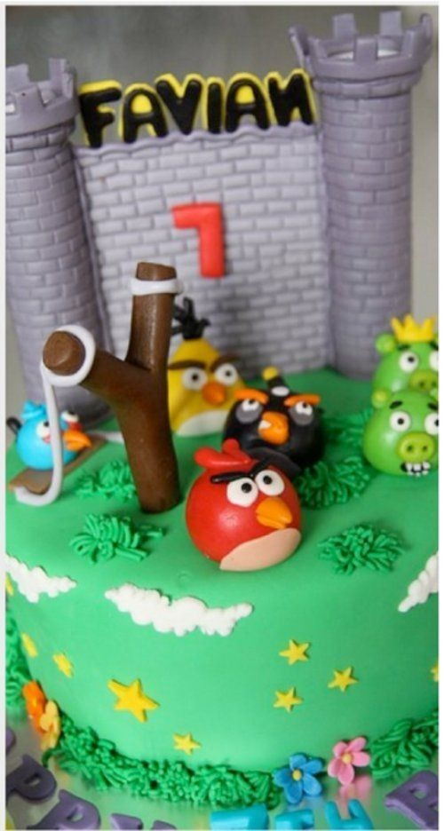 angry-birds-birthday-cake-collection-27