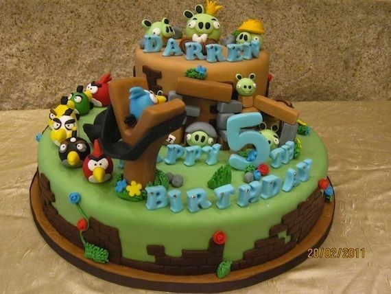 angry-birds-birthday-cake-collection-9