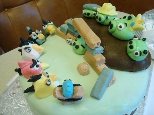 angry-birds-cake-collection-31