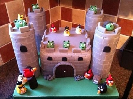 angry-birds-cake-collection-36