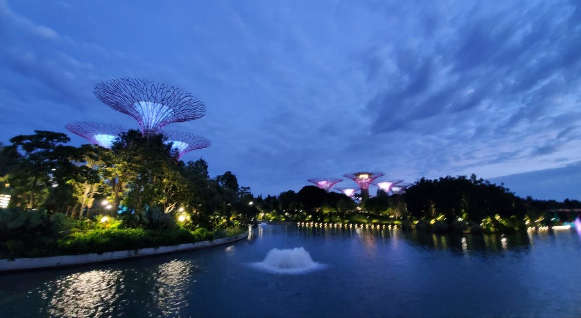 There are many free things to do alone in Singapore and visiting Marina Bay is one of them.