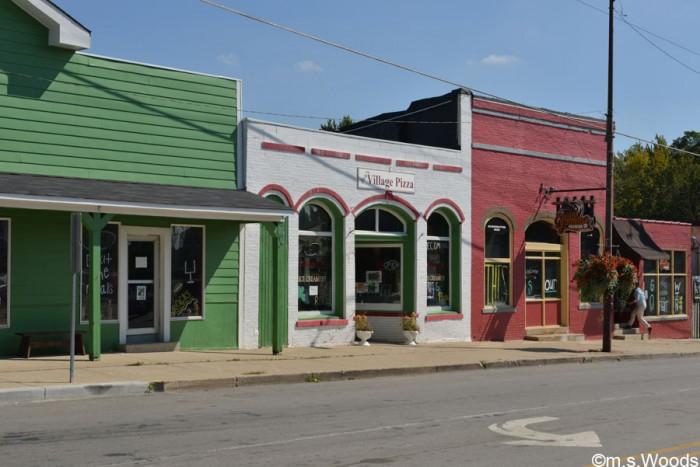 downtown-westfield-indiana-street-scene