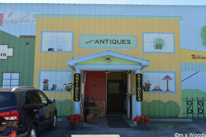 pearls-antiques-westfield