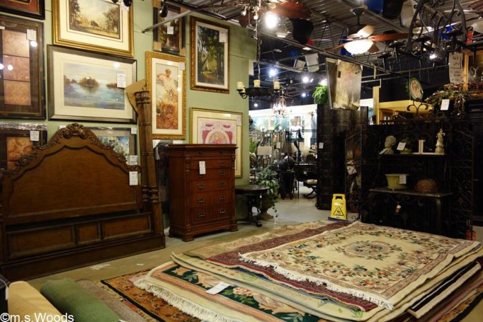 deja-vu-antiques-store