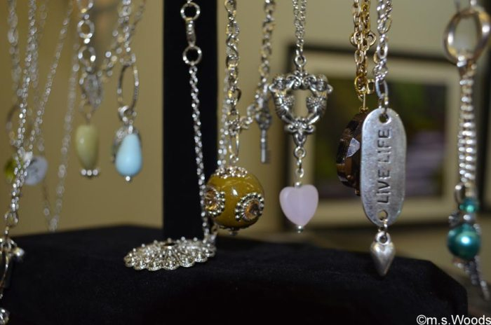 jewelry-on-display-at-gallery-on-the-square-danville-indiana