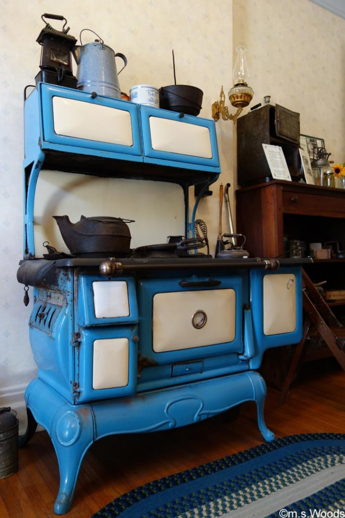 stove-at-hendricks-county-historical-museum-danville-indiana