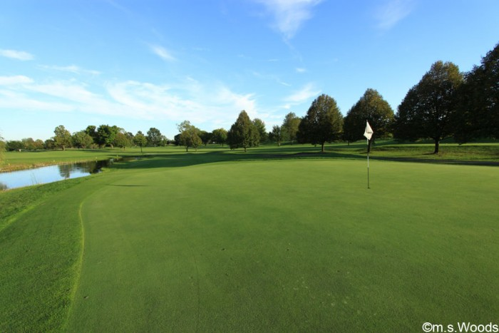 hillview-country-club-putting-green