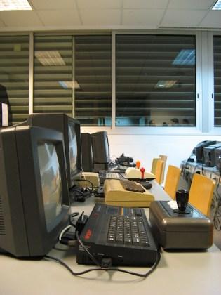 RetroMañía'09 - Exposición de ordenadores clásicos