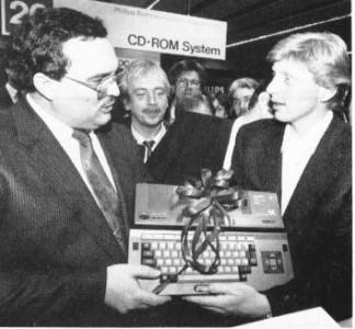 Regalo de un Philips VG-8235 a Boris Becker