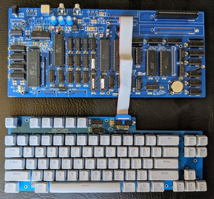 Vista general de las PCBs del ordenador y el teclado