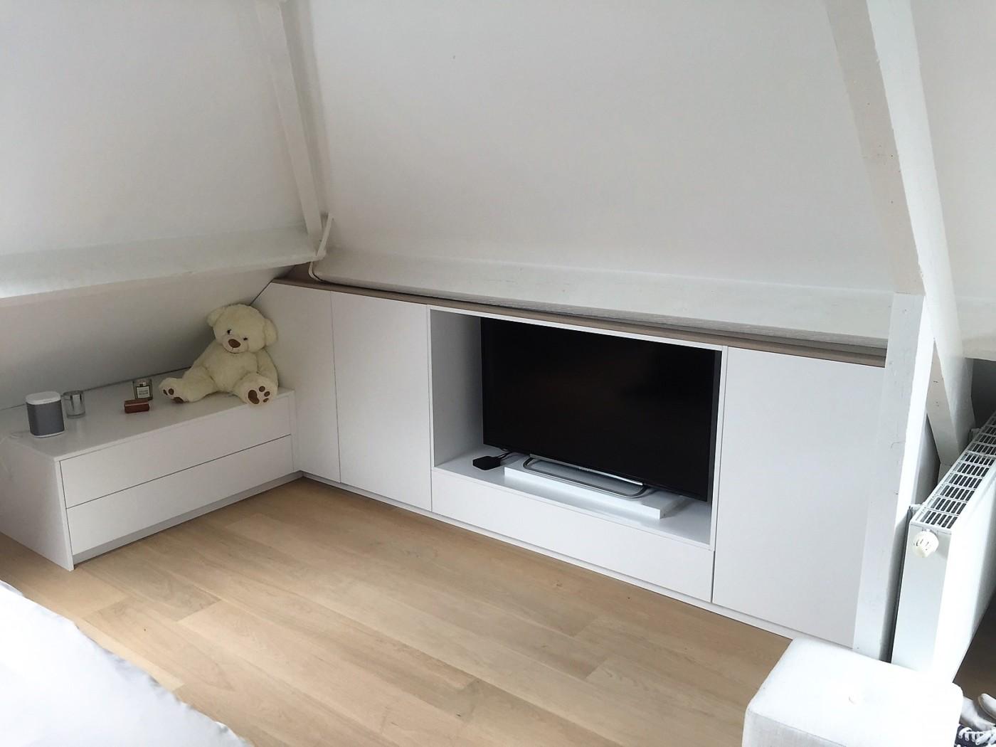 meuble sur mesure a wavre meuble tv meuble sous pente laque et chene massif tiroir amenagement