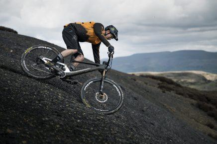 SCOTT-sports-bike-actionimage-brendan-fairclough-2022-spark-photo-by-roo-fowler_RZ69427