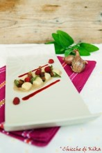 41.Gnocchi di patate su crema di scalogni, salsa ai lamponi, pancetta e salvia croccanti di Kika