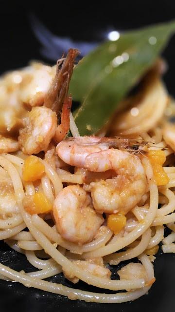 109. Spaghetti con gamberetti e fiori di zucca di Teresa
