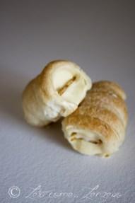 50. Eleonora P, Cannoncini di crema bavarese alla vaniglia con croccante alle mandorle e con mousse di cioccolato fondente all'acqua e dulce de leche salato