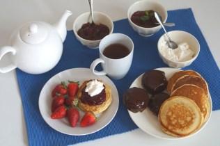 25. A MId Summer Afternoon Tea di Yan