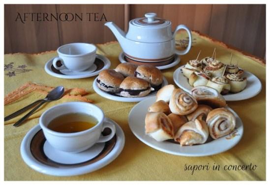 42. Afternoon Tea... Very Simply di Antonella