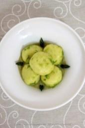 94. gnocchi ripieni di uovo con crema di cipolle e asparagi di Eliana