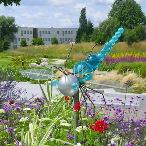 Création bulles teintées canard en forme de libellule