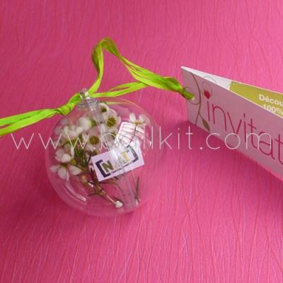 Boule transparente display garnie avec des fleurs