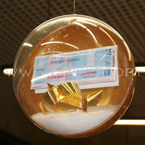Boule bicolore display à garnir avec un chèque cadeau et de la neige