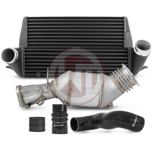 Comp. Package EVO3 BMW E-series N55 catless BMW BMW 3er BMW 3er E93 700001062 wagner wagnertuning mondotuning mtelaborazioni The competition package for the BMW E-serie consists of the Intercooler Upgrade Kit EVO3 and the N55 Downpipe Kit without catalyst and fits the following vehicles.BMW 135i E82/E88BMW 335(x)i E90/E91/E92/E93Intercooler Upgrade Kit 200001113The BMW Competition Intercooler Kit EVO III has the following core dimensions (510mm x 303mm x 180mm / stepped