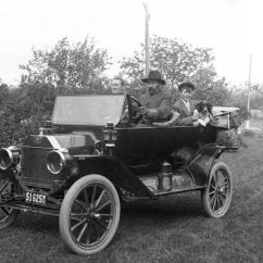 1915 Ford Model T Wiring Diagram Reflexology To Induce Labor Forum Old Photo Brass Era Young Lad Takes