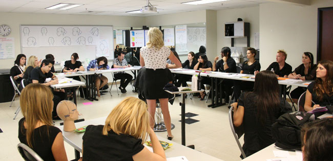 How to choose a cosmetology school