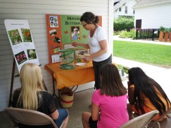 A-member-from-the-Mount-Prospect-Garden-Club-teaching-the-afternoon-session-about-monarch-butterflies