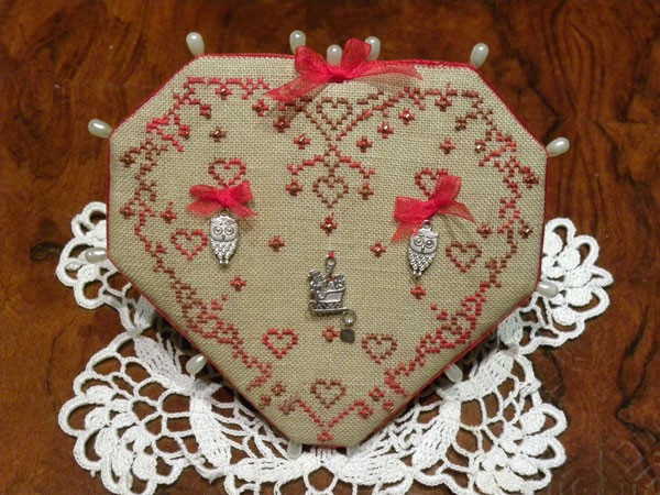Christmas Heart Pinkeep