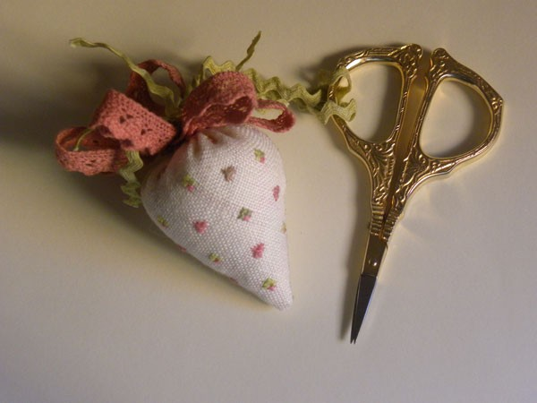 Romantic Strawberry Scissor Fob