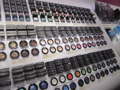 Kiko Eyeshadow shelf2